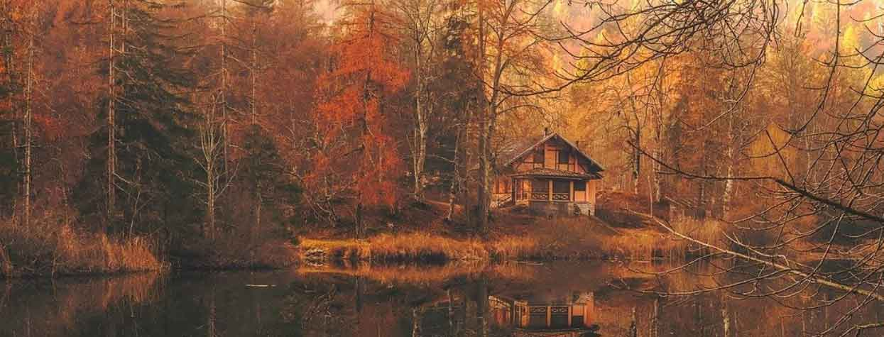 lakehouse autumn